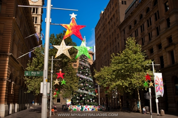 Рождественская елка на Мартин Плейс в Сиднее
