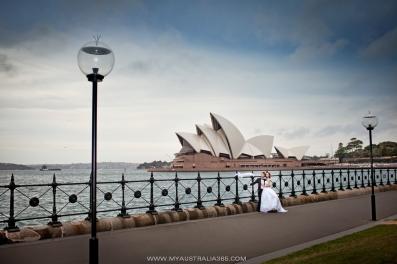 Свадебная фотосъемка напротив Оперы Хаус