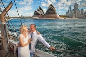 свадебная фотосессия на корабле в Сиднее
